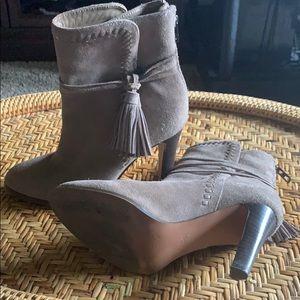 Size 7 tan Coach boots